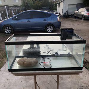 20 Gallon Fish Tank for Sale in Monterey Park, CA