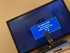 """Insignia 32"""" Tv for Sale in Reedley, CA"""
