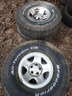 Jeep XJ 4 wheels with 2 tires for Sale in Concord,  NC