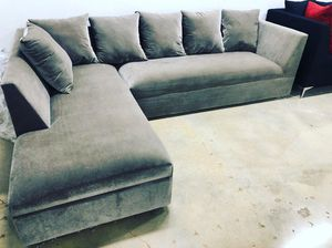 New grey velvet Sectional Sofa couch for Sale in North Miami Beach, FL