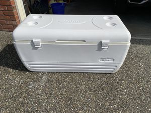 Igaloo 120 qt cooler for Sale in Lynnwood, WA