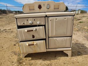 Antique stove for Sale in Aguanga, CA