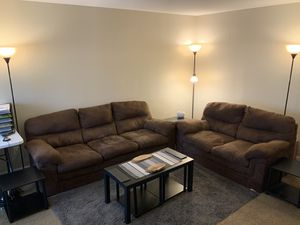Living room set +6tables +3 Lamps +6 accessories+ a small rug for Sale in Fort Wayne, IN