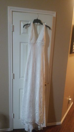 Halter Top Wedding Dress with train and veil for Sale in DeSoto, TX