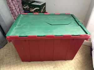 13 gallon storage container with interlocking lid for Sale in Menifee, CA