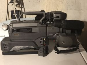 Sony DSR 200A 3ccd video camcorder, with hard shell case. 2 available. for Sale in Syosset, NY