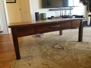 Coffee table free for Sale in San Diego, CA