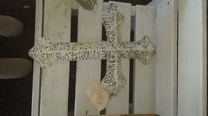 Hanging vintage style hanging cross for Sale in Yuma, AZ