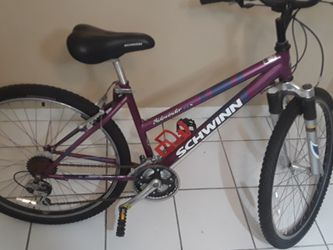 Schwinn Bike (Female Adult/YA) for Sale in Cape Coral,  FL