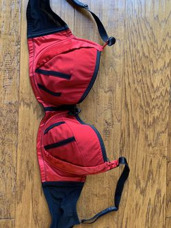 Bare Essentials parfait Bra 38 DD red, Like New for Sale in St. Louis,  MO