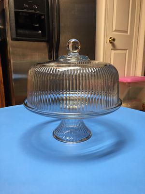 Crystal cake stand ( very good condition) for Sale in Fairfax, VA