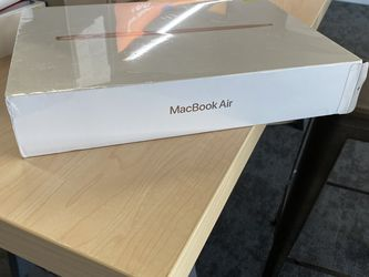 MacBook Air M1 Chip 256g for Sale in Bloomington,  CA