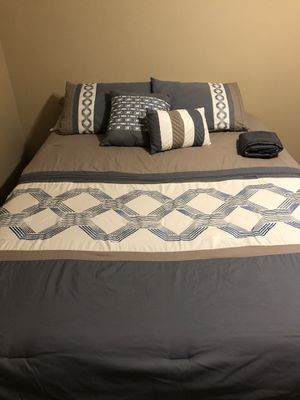 Queen Bedding Set for Sale in Collierville, TN