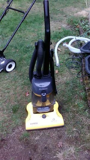 Eureka whirlwind bagless vacuum line new 25$ cash for Sale in Tacoma, WA