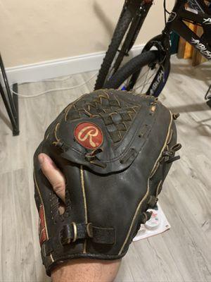 Rawlings Softball glove. for Sale in Miami, FL