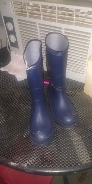 Size 12 boys rain boots for Sale in Winchester, CA