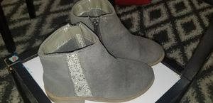 Girls Zipper Side Grey Ankle Boots (Kidpik) Size 12 for Sale in Lakeland, FL