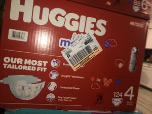 Huggies Little Movers Size 4 (124) for Sale in Las Vegas, NV