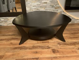 "Black Coffee Table !!! 19"" H 42"" X 42"" for Sale in Vancouver,  WA"