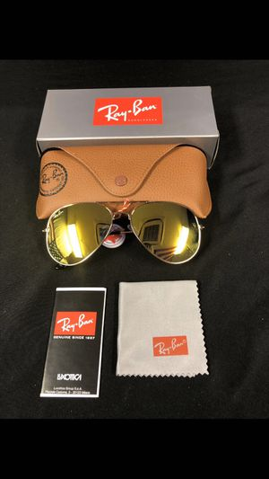 Gold aviator sunglasses for Sale in Ballwin, MO