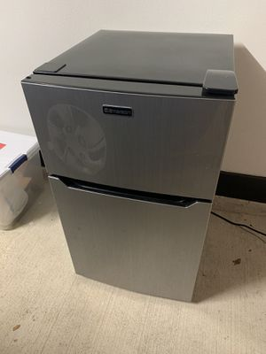 Emerson Mini Fridge/Freezer for Sale in Euless, TX