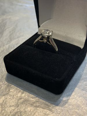 1.5 carat Diamond Ring in 14k White Gold setting for Sale in Peoria, AZ