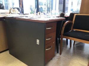 High quality office furniture for Sale in Miami, FL