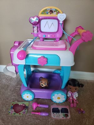 Doc Mc Stuffins hospital cart with accessories for Sale in Palm Bay, FL