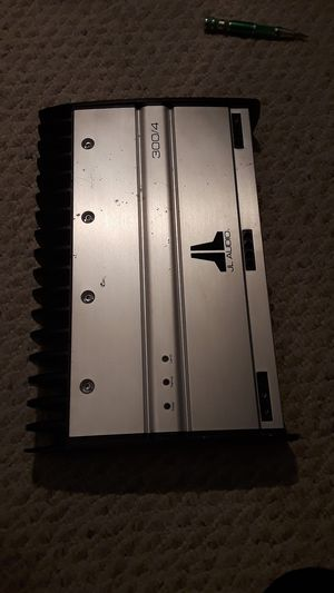 JL AUDIO AMPLIFIER 300/4 for Sale in Hyattsville, MD