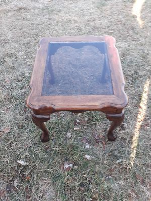 End table. for Sale in Bunker Hill, WV
