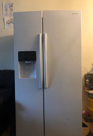 Samsung refrigerator-freezer for Sale in Arlington, VA