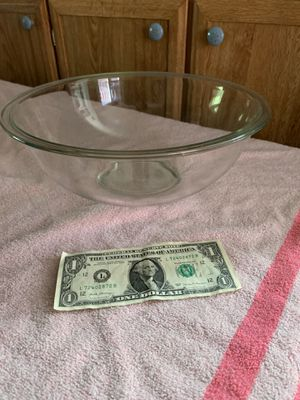 "Nice 12"" Pyrex bowl. Rochester wa for Sale in Rochester, WA"