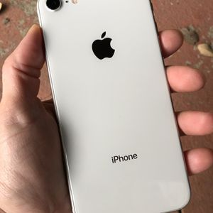 iPhone 8 Silver 64GB GSM Unlocked USA & Worldwide Excellent! for Sale in Hollywood, FL