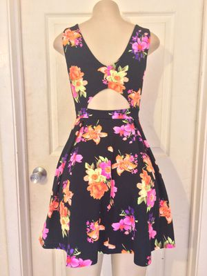 *Black/Mixed Floral Skater Dress •S for Sale in Carrollton, TX