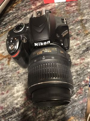 Nikon d3200 camera for Sale in Cleveland, OH