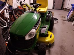 Law mower tractor for Sale in Orlando, FL