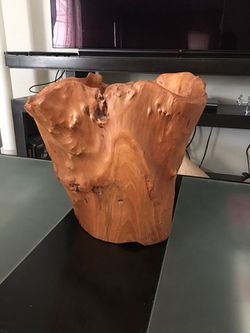 BEAUTIFUL MID CENTURY MODERN TREE TRUNK / VASE HOME DECOR - ( Real Wood) EXCELLENT NEW CONDITION. for Sale in City of Industry,  CA