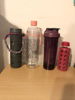Glass Tumblers, blender bottle, infuser bottle for Sale in Woodbridge, VA