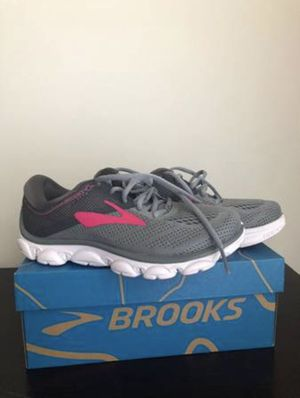 BROOKS Running Shoes BRAND NEW - Women's Size 6 for Sale in Fairfax, VA