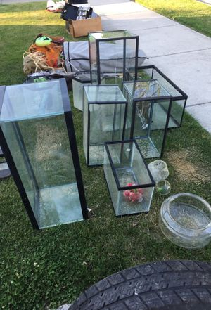 Many sizes of fish tanks /aquariums for Sale in Detroit, MI