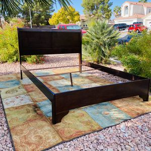 Brown Queen Size Bed Frame (FREE DELIVERY 🚚) for Sale in Las Vegas, NV