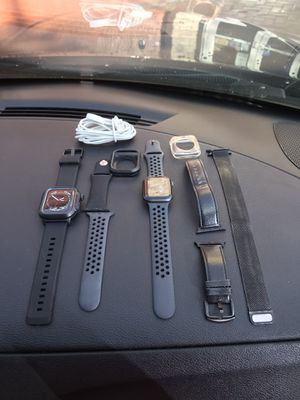 Nike Apple iWATCH series 4, 44mm for Sale in Oakland Park, FL