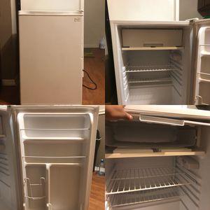 Mini refrigerator for Sale in Nashville, TN