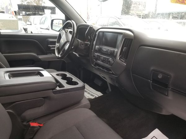 2018 CHEVY SILVERADO LD 4X4 AUTOMATIC TRANSMISSION. ZERO TO LOW DOWNPAYMENT REQUIRED.