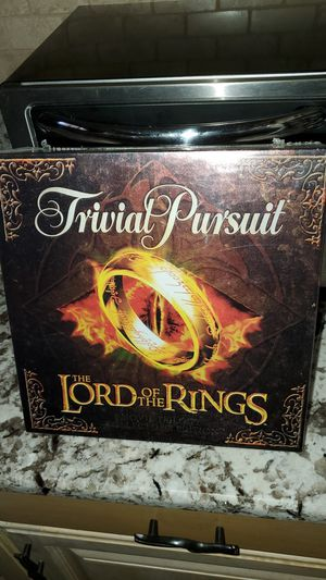 Trivial Pursuit Lord of the Rings edition for Sale in Allen Park, MI