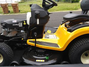 Xt1 cub cadet riding lawn mower for Sale in Tacoma, WA