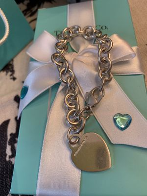 Tiffany & Co vintage heart bracelet for Sale in MONTGOMRY VLG, MD