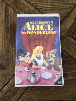 Alice In Wonderland Walt Disney's Black Diamond Edition (VHS) for Sale in Carmel Hamlet, NY