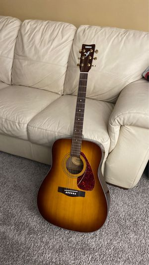 Beginners guitar for Sale in Detroit, MI