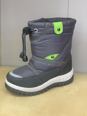 Snow boots for boys sizes 2, 3, 4 kids sizes for Sale in Bell Gardens, CA